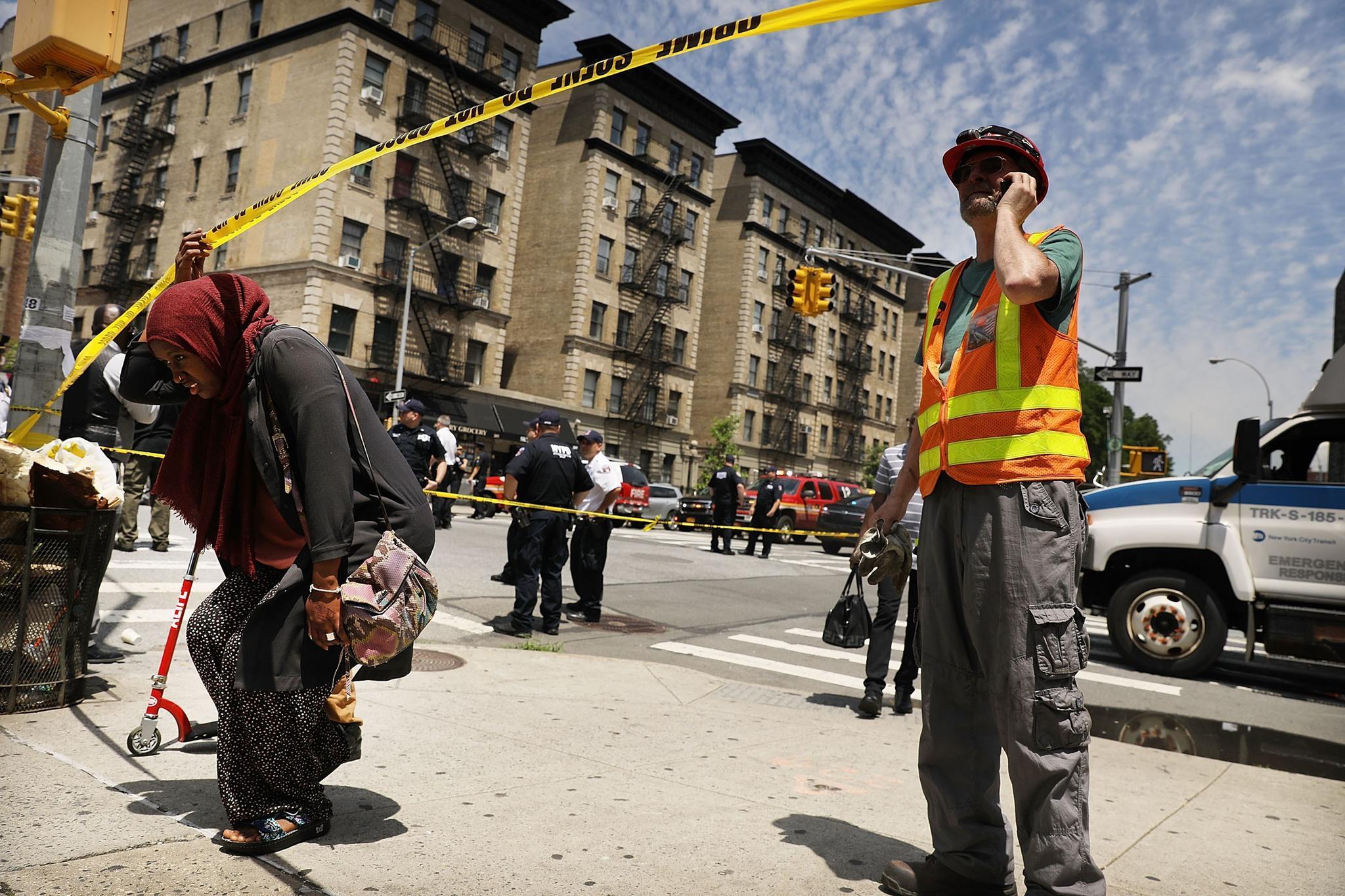 News: U-Bahn entgleist in New Yorker Tunnel - Dutzende Verletzte ...