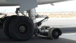 Flugzeug - Ferienflieger - Teneriffa - Reifen geplatzt