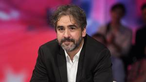 Deniz Yücel in einer Talksendung - seit 135 Tagen sitzt er in Haft