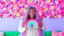 Amina Mucciolo mit Regenbogen