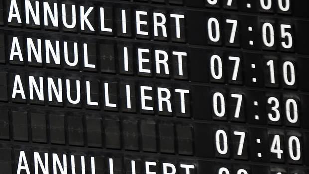 Anzeigetafel am Flughafen Köln/Bonn