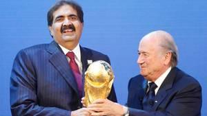Bilder eines umstrittenen Moments im Dezember 2010: Die Fußball-WM 2022 geht an Katar