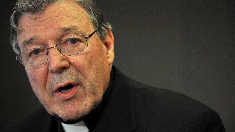 Gegen Kardinal George Pell, Finanzchef im Vatikan, wird wegen mutmaßlichen Kindesmissbrauchs ermittelt