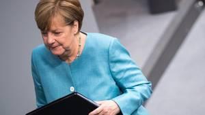 Bundeskanzlerin Angela Merkel im Deutschen Bundestag bei Beratungen zum G20-Gipfel in Hamburg