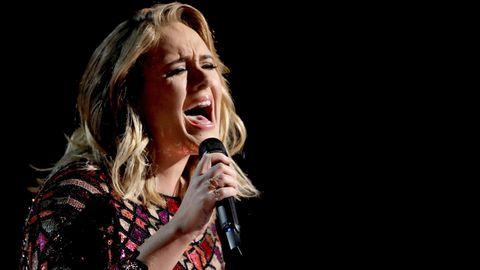 """Adele hat bereits 121 Konzerte ihrer """"25""""-Tour absolviert. Die letzten zwei musste sie nun absagen."""