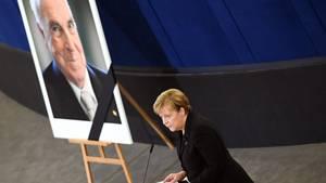 Angela Merkel beim Europäischen Trauerakt zu Ehren von Helmut Kohl