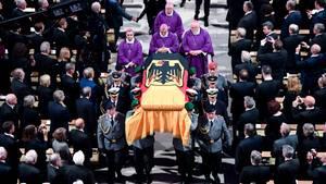 Helmut Kohl: Letze Ehre und letze Ruhe für Altkanzler in Speyer
