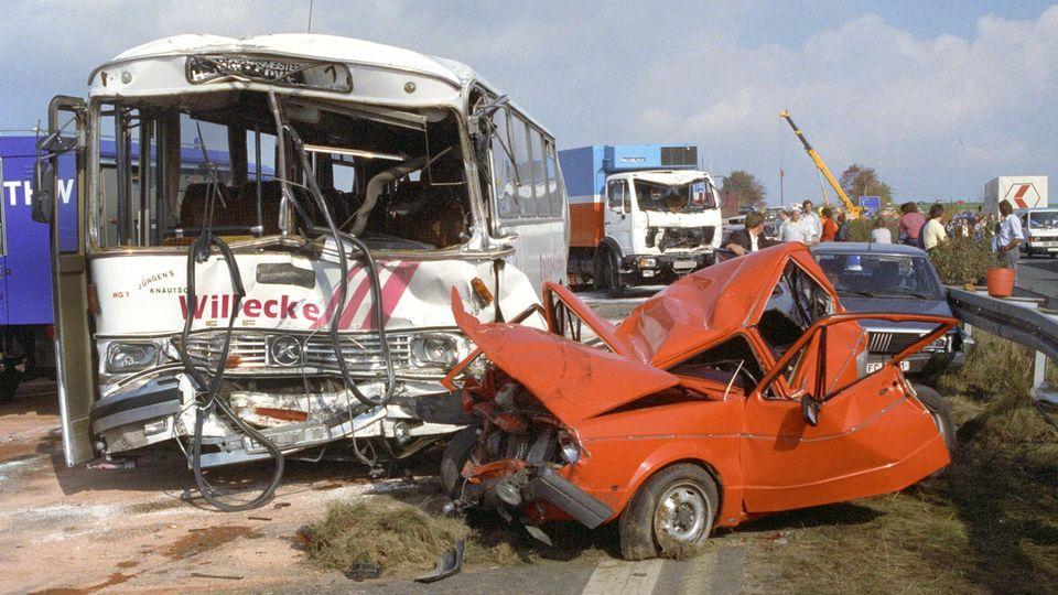 Bei einer Massenkarambolage auf der Autobahn 9 in der Münchberger Senke kamen im Oktober 1990 zehn Menschen ums Leben