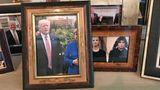 Die im Zimmer aufgestellten Bilder zeigen Trump mit seinen Liebsten