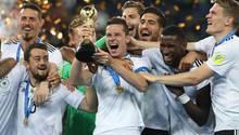 Das deutsche Confed-Cup-Team feiert seinen Sieg