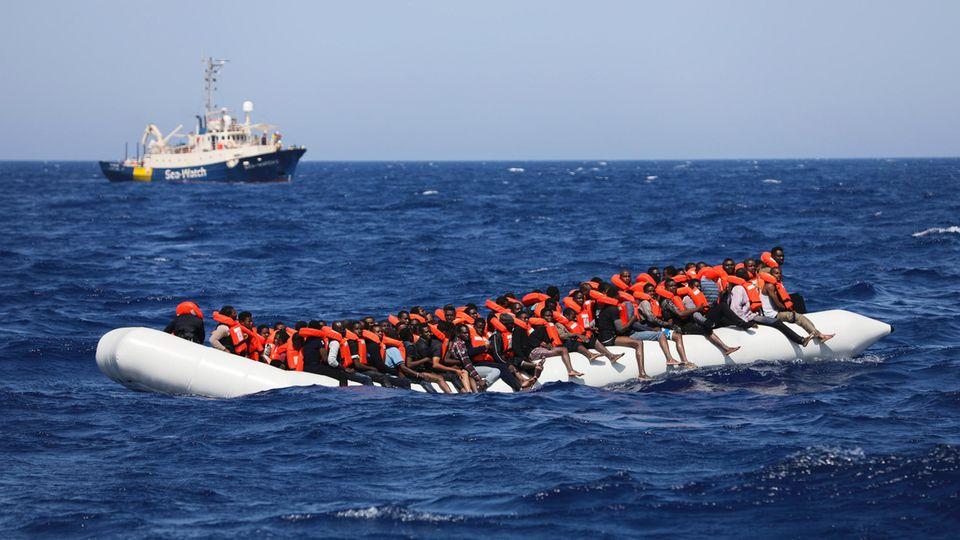 Flüchtlinge auf dem Mittelmeer: Retten! Oder nicht?