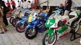Motorräder finden besondere Beachtung beim Publikum. Neben Ducati, BMW und Honda ist Suzuki mit diversen Rennmaschinen am Start.