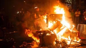 Brennende Barrikade beim G20-Gipfel