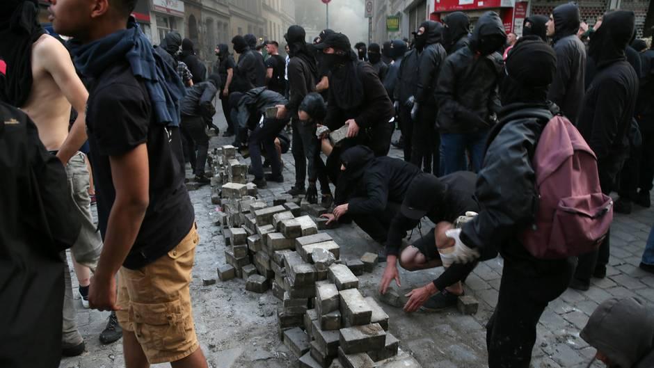 De Maizière verteidigt Vorgehen der Polizei bei G20-Gipfel