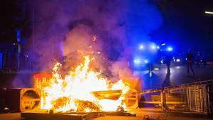 G20: Eine brennende Barrikade in Hamburg