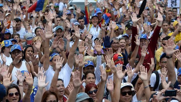 Die Proteste gegen Venezuelas Präsidenten Nicolas Maduro dauern an - auch nach 100 Tagen