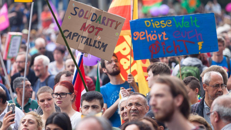 Solidarity not capitalism - Die Großdemo Solidarität ohne Grenzen beim G20-Gipfel blieb friedlich