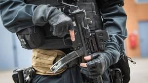 Ein Beamter des Sondereinsatzkommandos der Polizei (SEK) (Symbolbild)