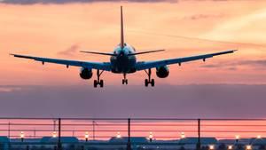 Flug endet beinahe als Katastrophe: Flieger entgeht knapp einem Crash