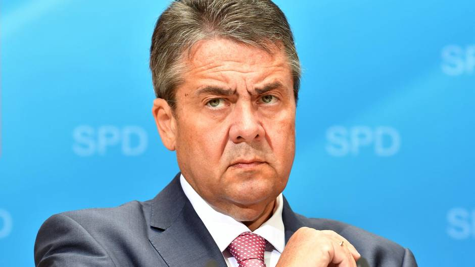 Außenminister Sigmar Gabriel bei einem Pressegespräch in Berlin
