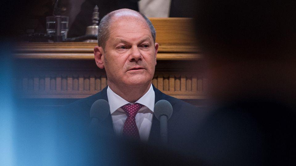 Olaf Scholz im Blickpunkt: Bei seiner Regierungserklärung vor der Hamburger Bürgerschaft entschuldigte er sich