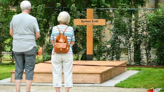 helmut Kohl - Grab - Sicherheitsdienst - Bewachung