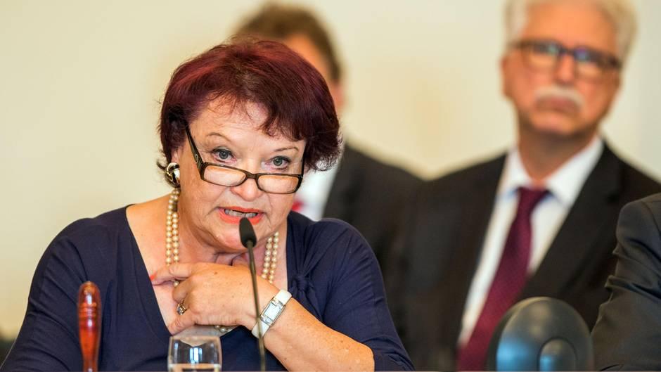 AfD-Politikerin fordert Schießbefehl gegen G20-Plünderer