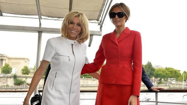 Melania Trump und Brigitte Macron nach einer gemeinsamen Bootsfahrt auf der Seine