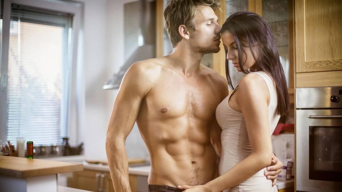 sexy Dinge, die man einem Mann im Bett sagen kann