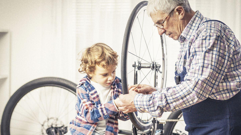 Was zu werkeln gibts ja immer, zum Beispiel am Fahrrad. Aber sollten wir gezwungen sein, bis ins hohe Alter regulär zu arbeiten?