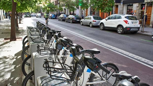 Stufe zwei der E-Bike-Invasion sind Sharingstationen.