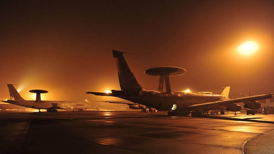 Awacs-Aufklärungsflugzeuge auf dem Nato-Stützpunkt Konya in der Türkei (Archivbild)