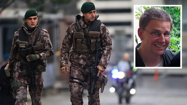 Türkische Polizisten (Symbolbild) nahmen Peter Steudtner vor rund zwei Wochen fest