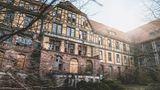 Die Sophienheilstätte in Bad Berka  Einst eine Tuberkuloseheilstätte mit 200 Betten, später Seuchenlazarett für Soldaten der Roten Armee und seit 1992 geschlossen.