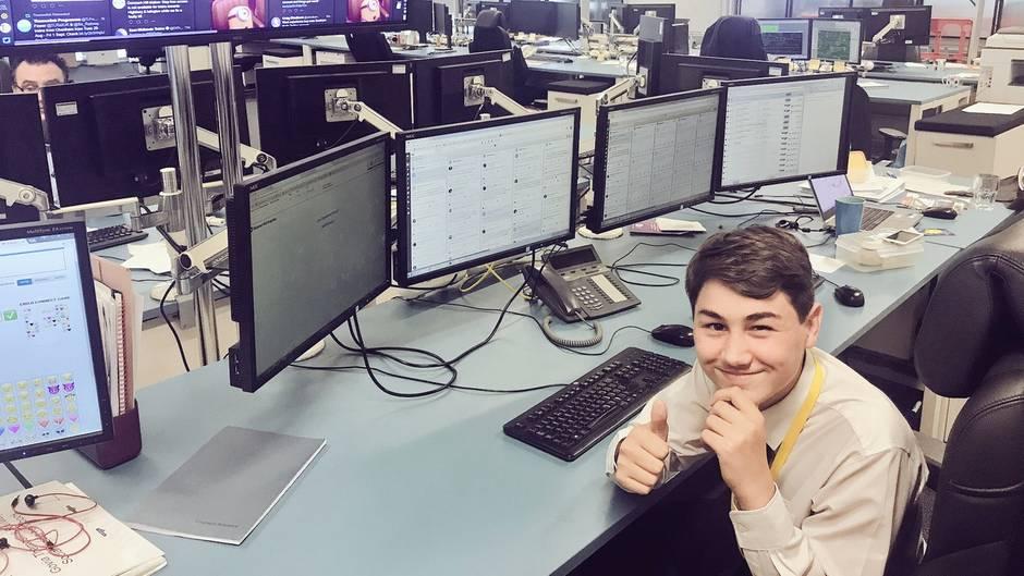 15-jähriger Praktikant landet Online-Hit