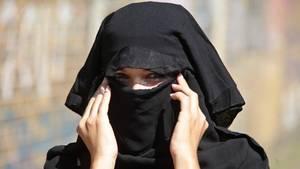 Auch muslimische Frauen haben ein Anrecht auf guten Sex, schriebt die Autorin Umm Muladhat in ihren Buch (Symbolfoto)