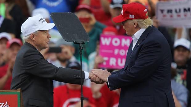 Donald Trump bricht öffentlich mit seinem Justizminister Jeff Sessions