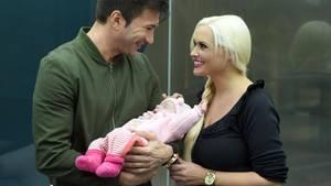 Ist ihre Idylle nur gespielt? Daniela Katzenberger und Lucas Cordalis mit ihrer Tochter Sophia.