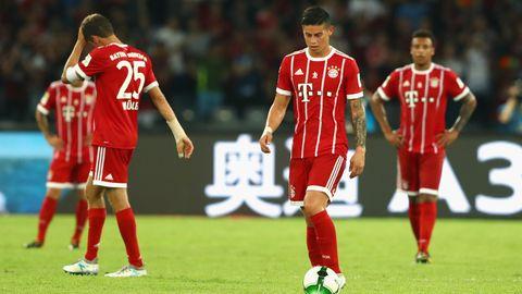 James Rodriguez vom FC Bayern lässt wie seine Teamkollegen den Köpf hängen nach der Niederlage gegen den AC Milan