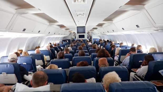 Ein voll besetztes Flugzeug