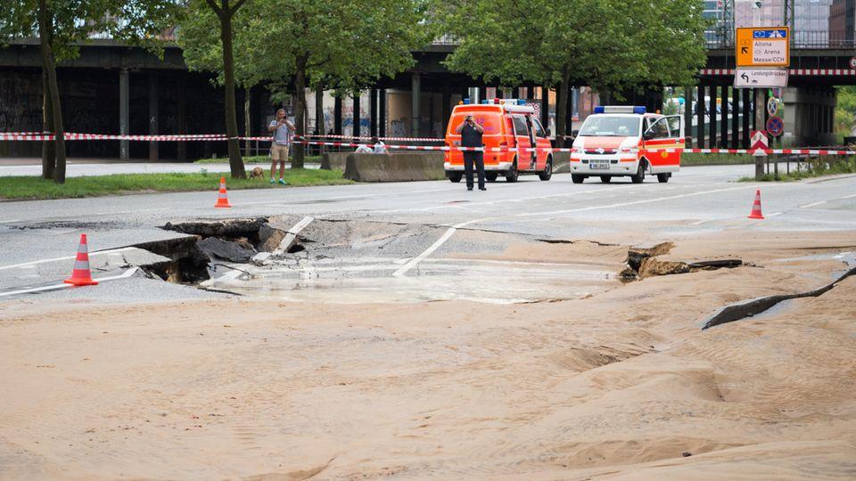 Nachrichten aus Deutschland: Ein Teil der Amsinckstraße ist abgesackt