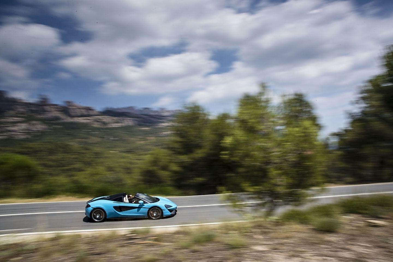 Der McLaren 570S Spider ist 4,53 Meter lang,...