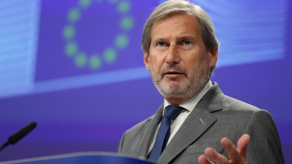 Türkei: EU-Komissar Johannes Hahn während einer Pressekonferenz in Brüssel