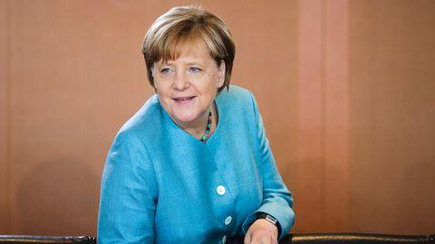 Wahltrend: Angela Merkel hat eine schwarz-gelbe Regierungsmehrheit in Aussicht