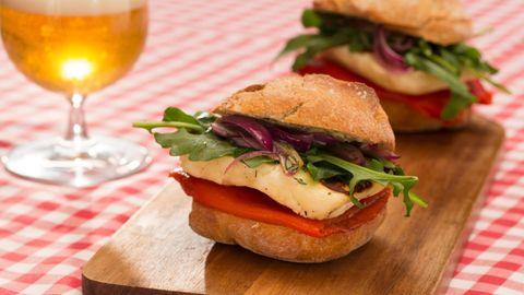 Ungesunde Kombination: Erschreckende Studie: Darum sollten Sie zum Burger besser keine Cola trinken