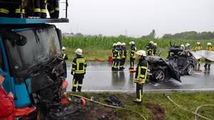 Nachrichten aus Deutschland: Zwei beschädigte Fahrzeuge auf der B10 bei Schwieberdingen