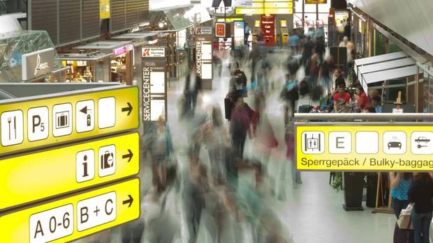 Geschäftiger Flughaften: EuGH entscheidet gegen das Fluggastdaten-Abkommen