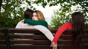 Untreue in der Partnerschaft: Warum Frauen fremdgehen