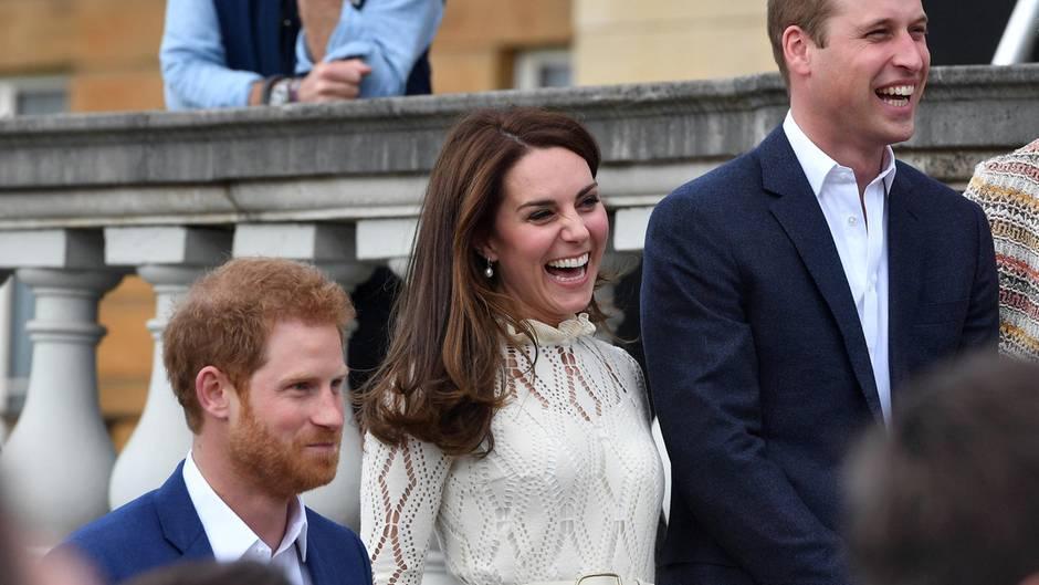 Prinz William beendet seine Pilotenkarriere