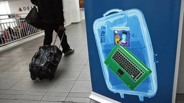 Künftig müssen beim Sicherheitscheck nicht nur Latops, sondern auch E-Reader, iPads, Tablets gesondert überprüft werden.